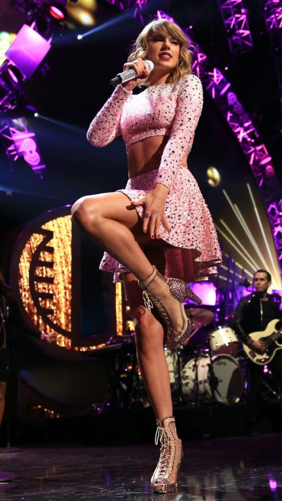 Taylor Swift Beautiful Legs 576x1024 - Taylor Swift Net Worth, Pics, Wallpapers, Career and Biography