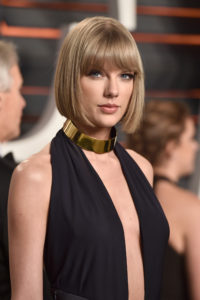Taylor Swift Deep Revealing Dress 200x300 - Taylor Swift Screen Shots