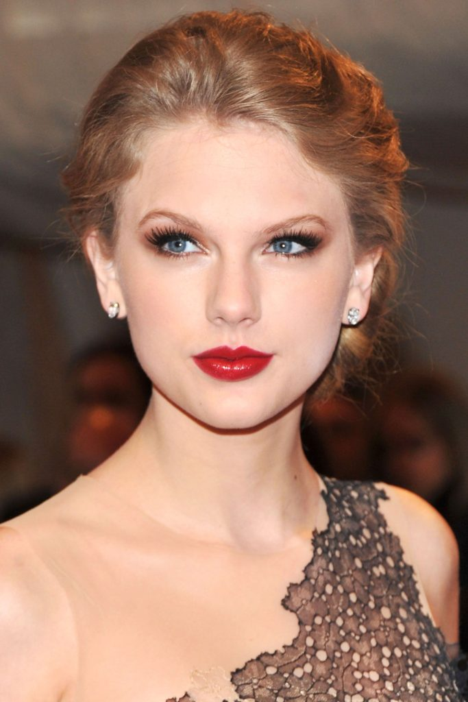 Taylor Swift Red Hot Lips 683x1024 - Taylor Swift Red Hot Lips