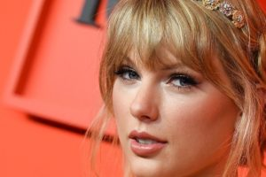 f502bf60 a377 11e9 9a3c 98259c87fba2 image hires 113352 300x200 - Taylor Swift Hd Wallpapers