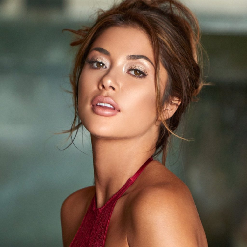 Arianny Celeste Beautiful Face Wallpapers 1024x1024 - Arianny Celeste Beautiful Face Wallpapers
