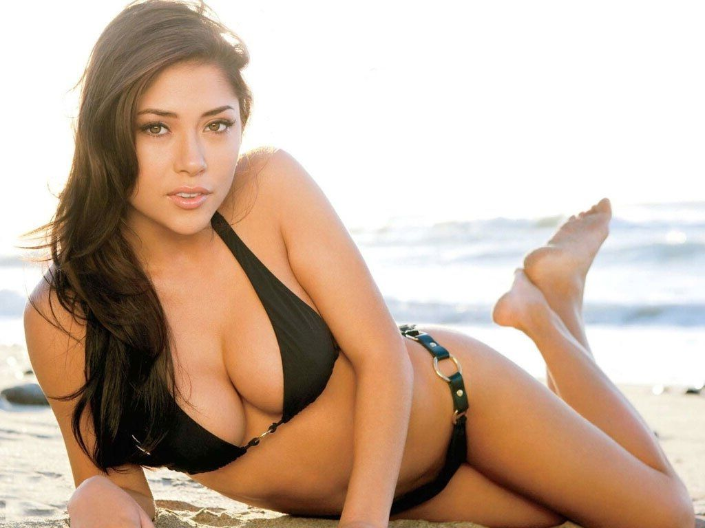Arianny Celeste Hot Black Bikini Wallpapers - Arianny Celeste Net Worth, Pics, Wallpapers, Career and Biography