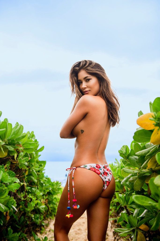Arianny Celeste Tropic Panty Images 683x1024 - Arianny Celeste Net Worth, Pics, Wallpapers, Career and Biography
