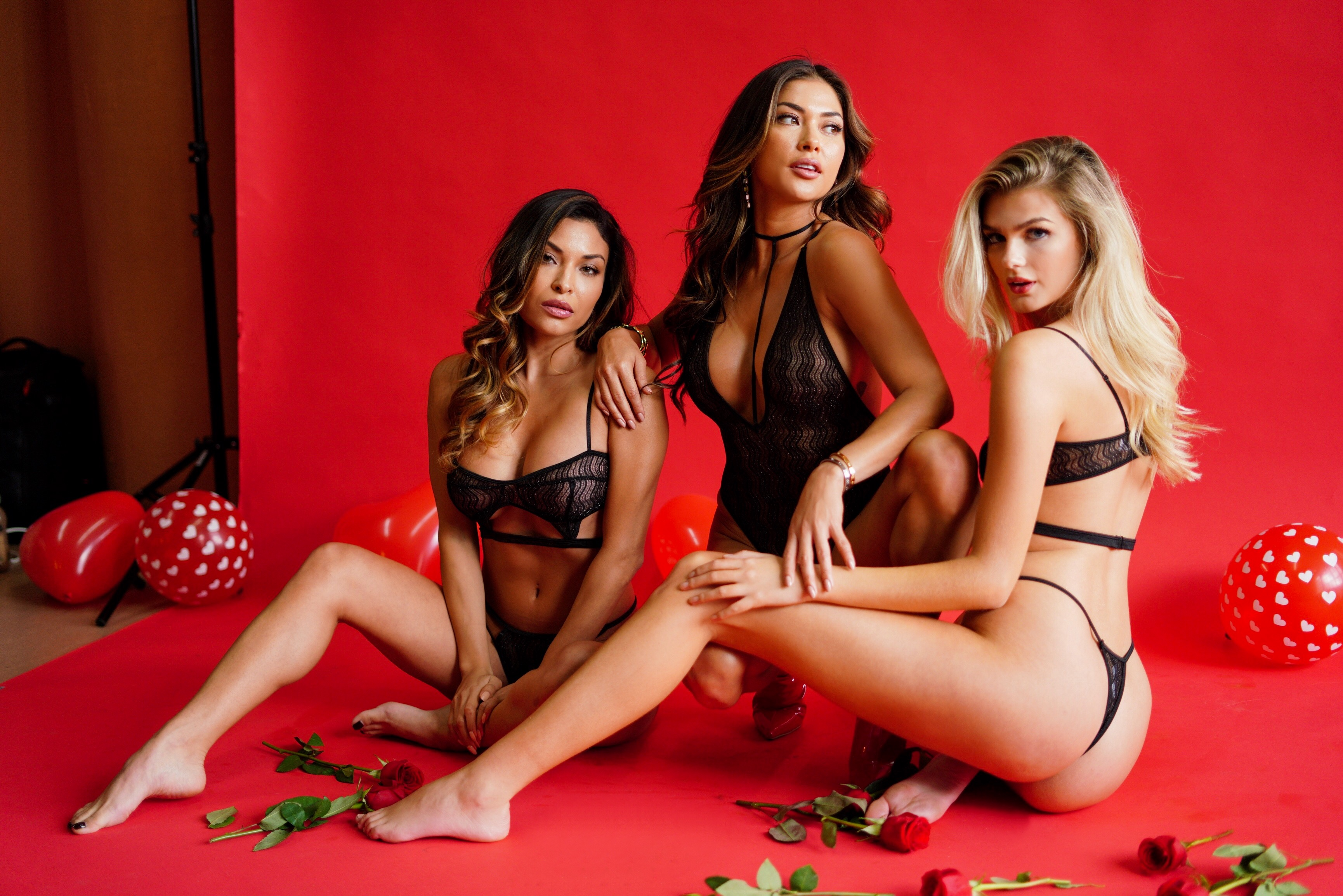 Arianny Celeste With Hot Models Wallpaper - Arianny Celeste With Hot Models Wallpaper