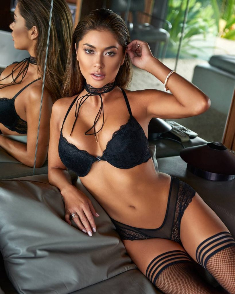 Beautiful Arianny Celeste Hot Black Lingerie Pics 819x1024 - Arianny Celeste Net Worth, Pics, Wallpapers, Career and Biography
