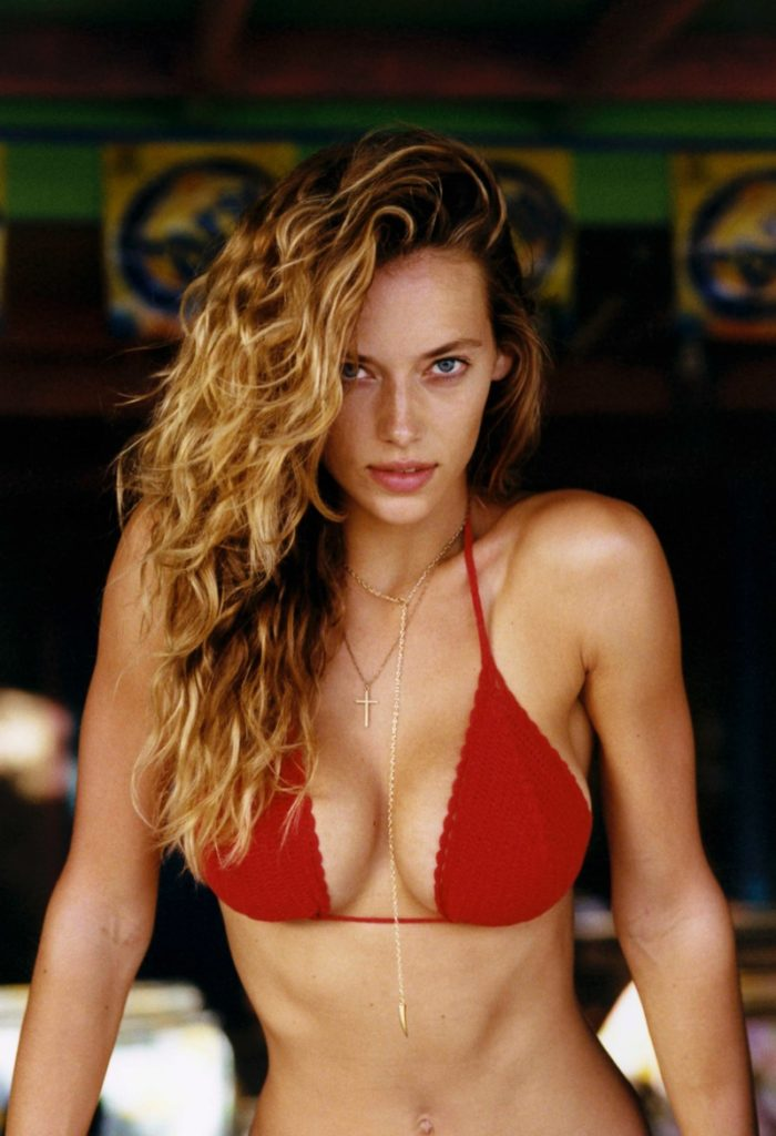Beautiful Hannah Ferguson Red Bikini Pics 700x1024 - Hannah Ferguson Net Worth, Pics, Wallpapers, Career and Biography