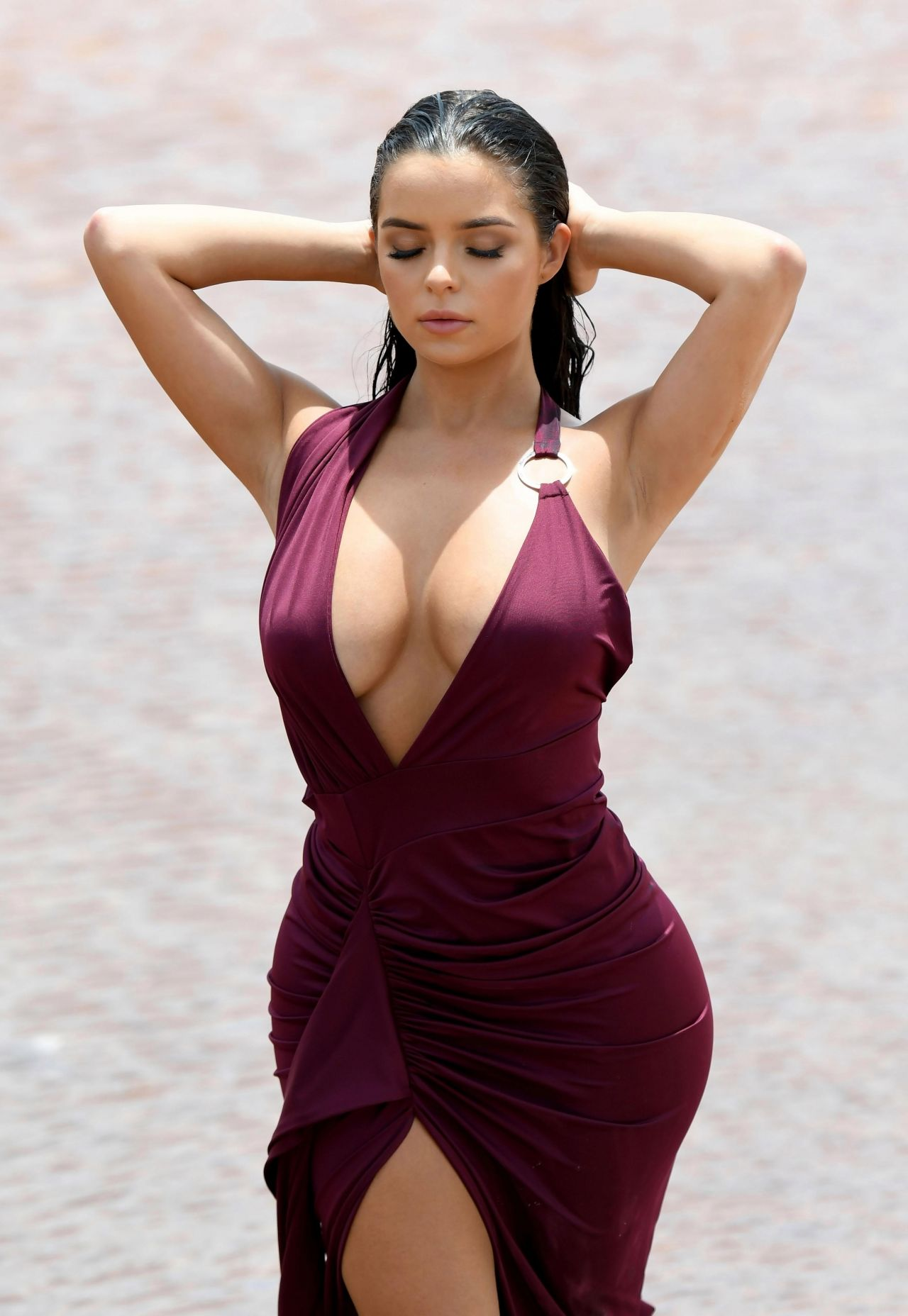 Demi Rose Deep Revealing Hot Dress - Demi Rose Deep Revealing Hot Dress