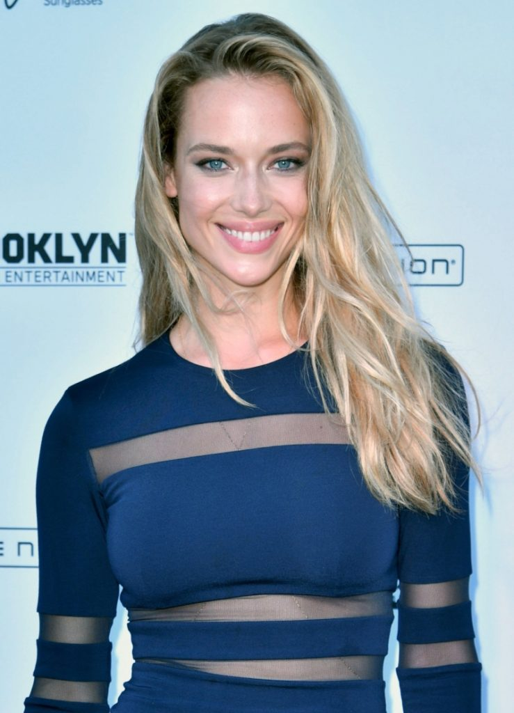 Hannah Ferguson 739x1024 - Hannah Ferguson Net Worth, Pics, Wallpapers, Career and Biography