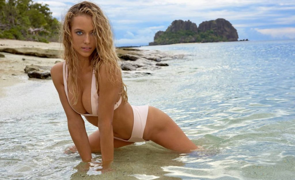 Hannah Ferguson Hot Pikini Photoshoot By The Sea 1024x626 - Hannah Ferguson Net Worth, Pics, Wallpapers, Career and Biography