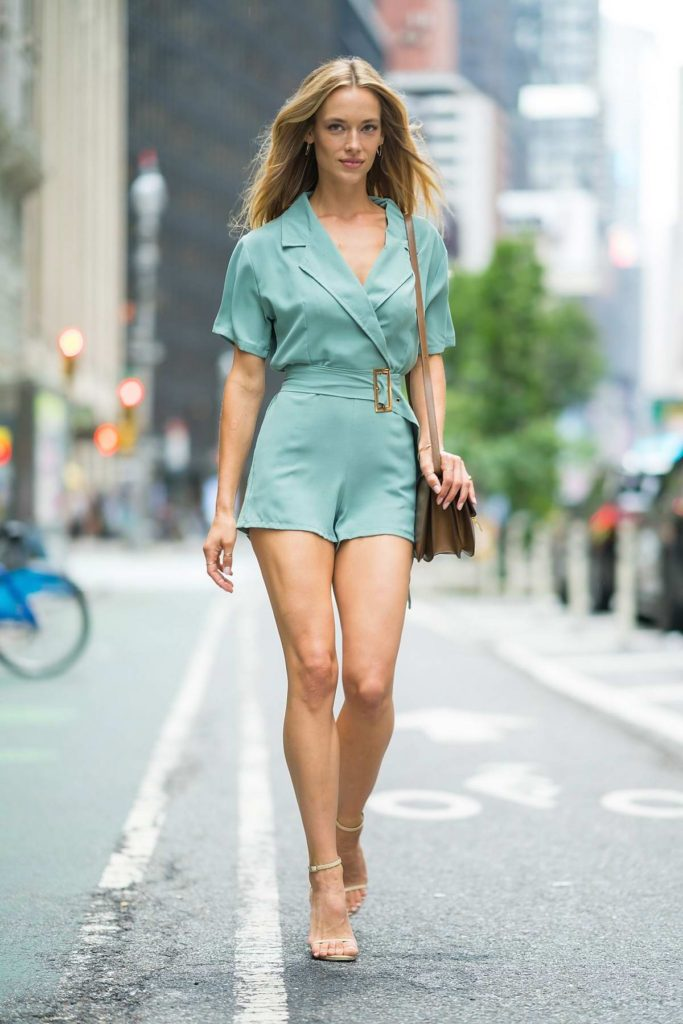 Hannah Ferguson Street Style 683x1024 - Hannah Ferguson Net Worth, Pics, Wallpapers, Career and Biography