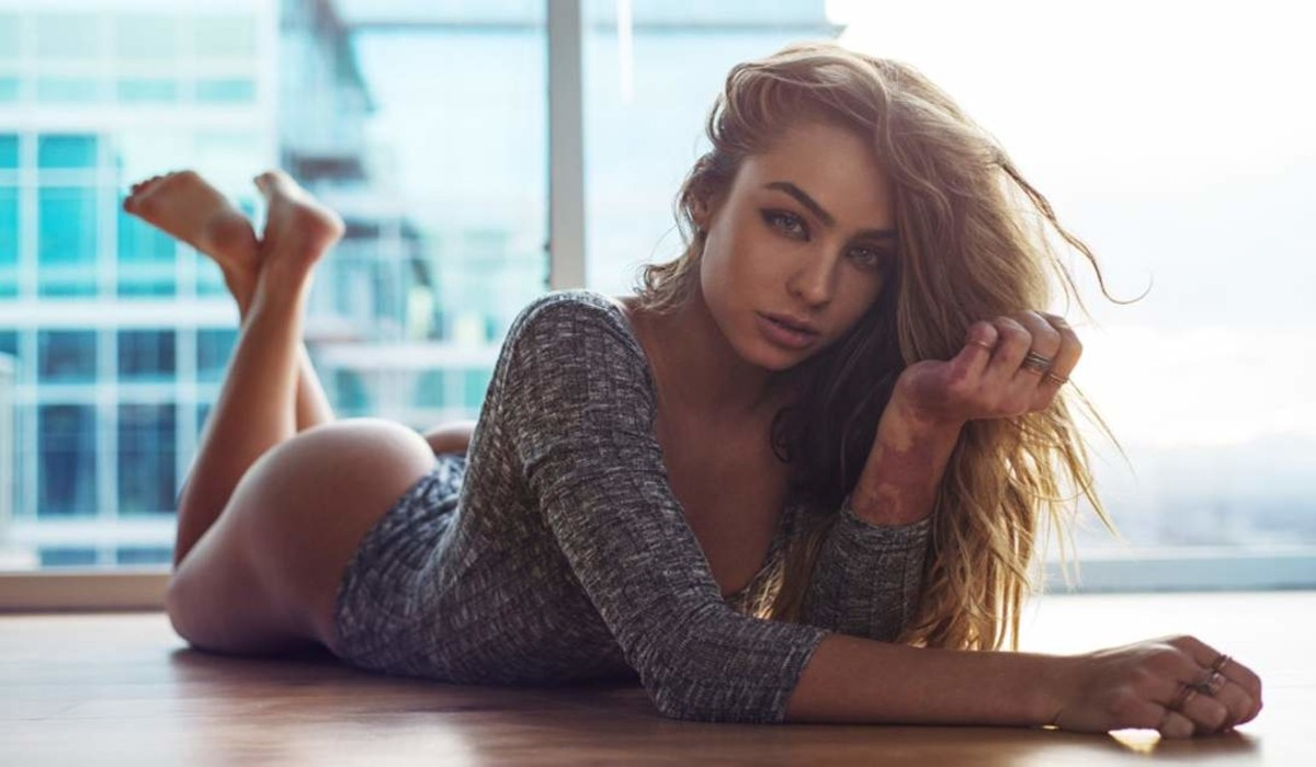 Hot Sommer Ray Wallpapers — Celeb Lives