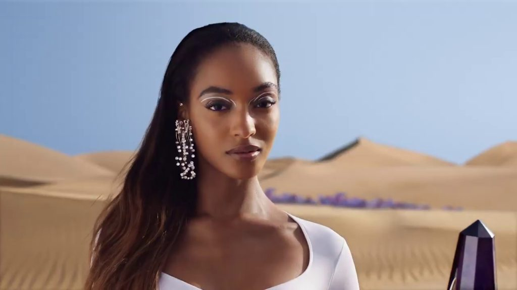 Jourdan Dunn Outdoors Wallpapers 1024x576 - Jourdan Dunn Net Worth, Pics, Wallpapers, Career and Biography