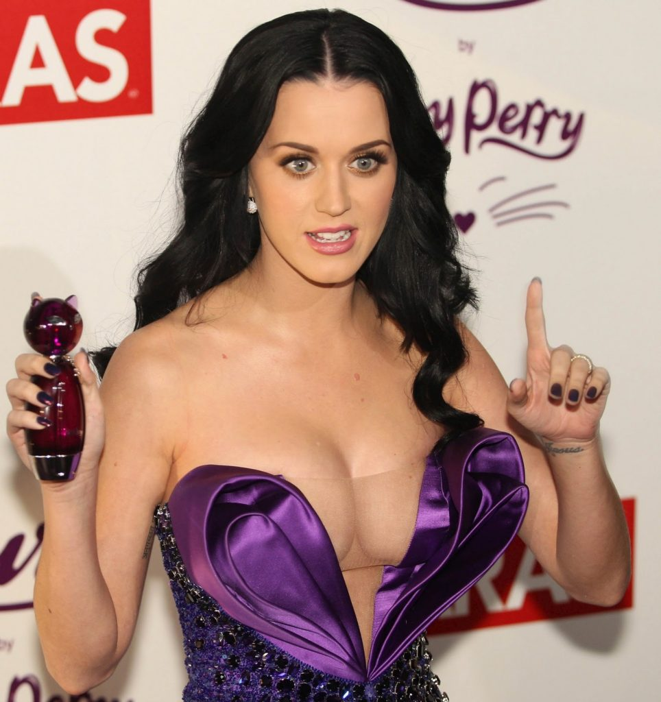 Katy Perry Deep Revealing Dress 964x1024 - Katy Perry Net Worth, Pics, Wallpapers, Career and Biography