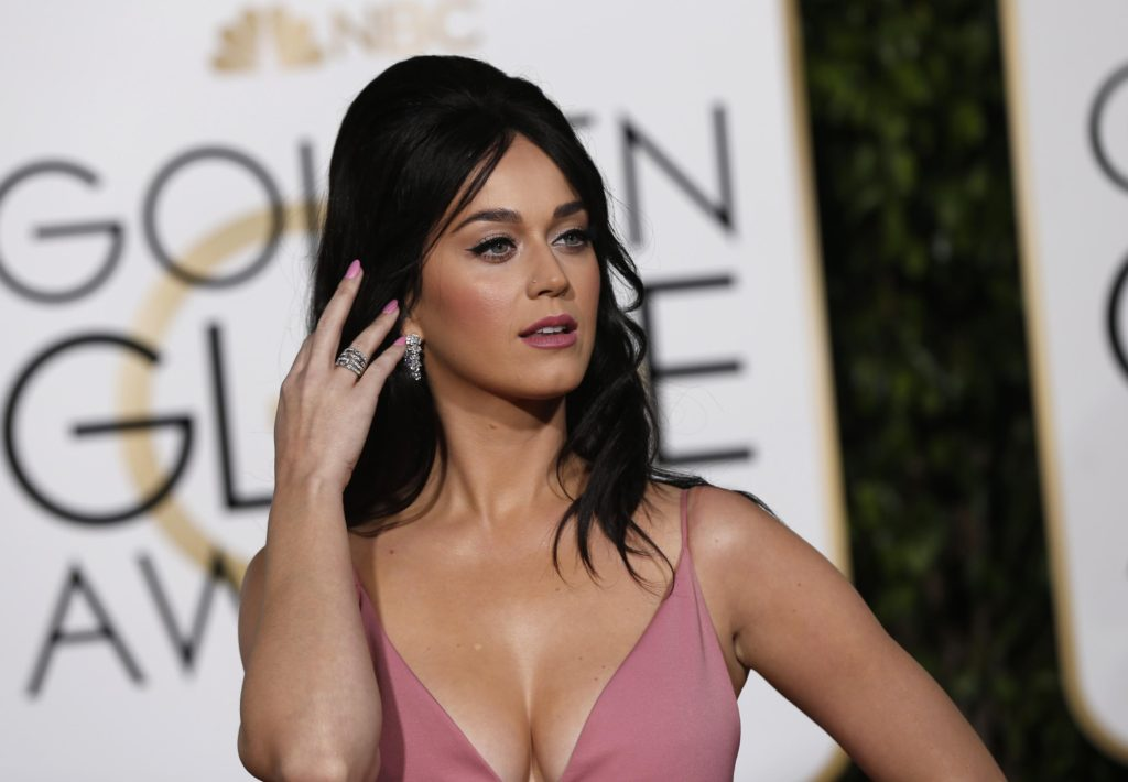 Katy Perry Hoot Revealing Pink Dress 1024x710 - Katy Perry Golden Globe Awards