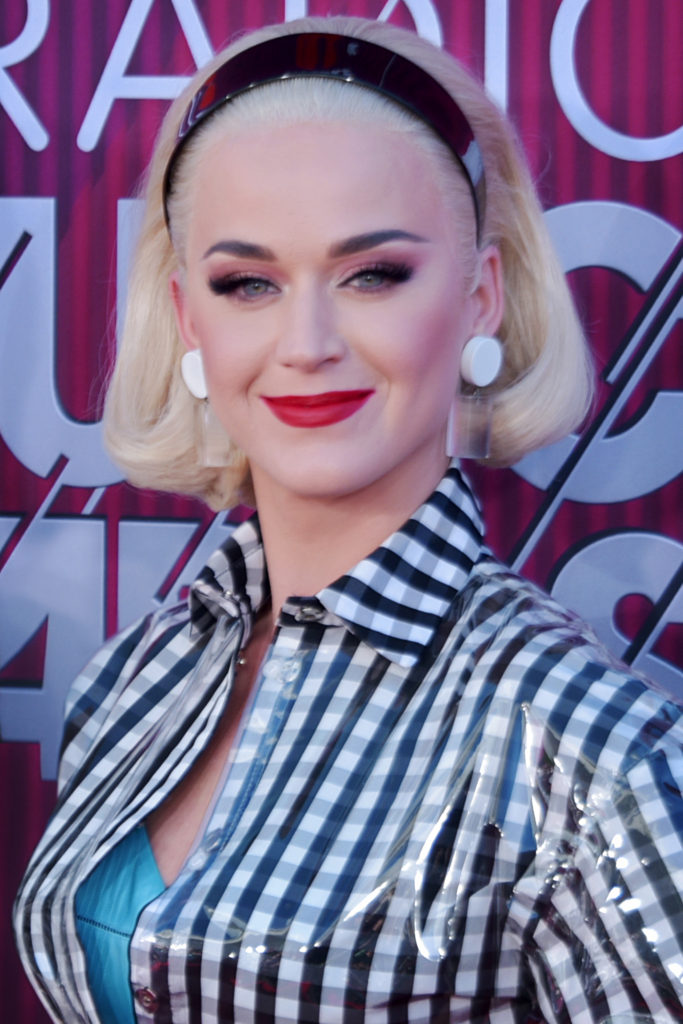Katy Perry Hot Red Lips 683x1024 - Katy Perry Arrivals