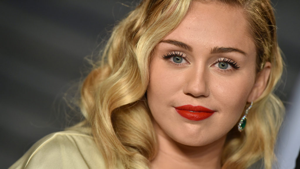 Miley Cyrus Hot Red Lips Img 1024x576 - Miley Cyrus Oscar Party Pics