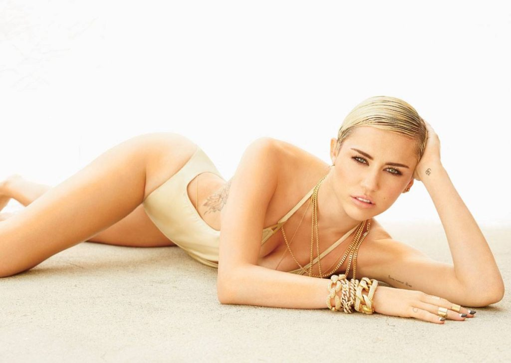 Miley Cyrus Swimsuit Wallpapers 1024x728 - Miley Cyrus Net Worth, Pics, Wallpapers, Career and Biography