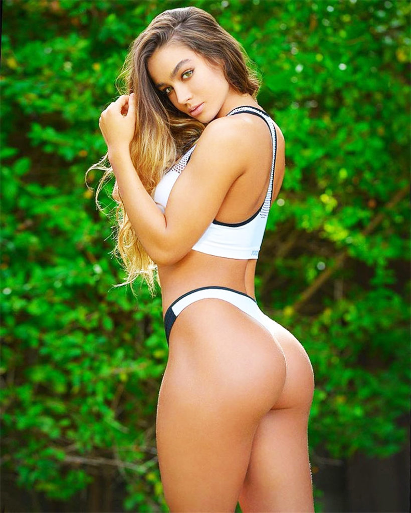 Sommer Ray Underwear Pics 820x1024 - Sommer Ray Net Worth, Pics, Wallpapers, Career and Biography