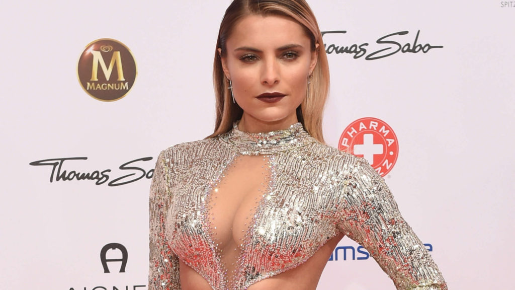 Sophia Thomalla Super Hot Gala Dress 1024x576 - Sophia Thomalla Net Worth, Pics, Wallpapers, Career and Biograph