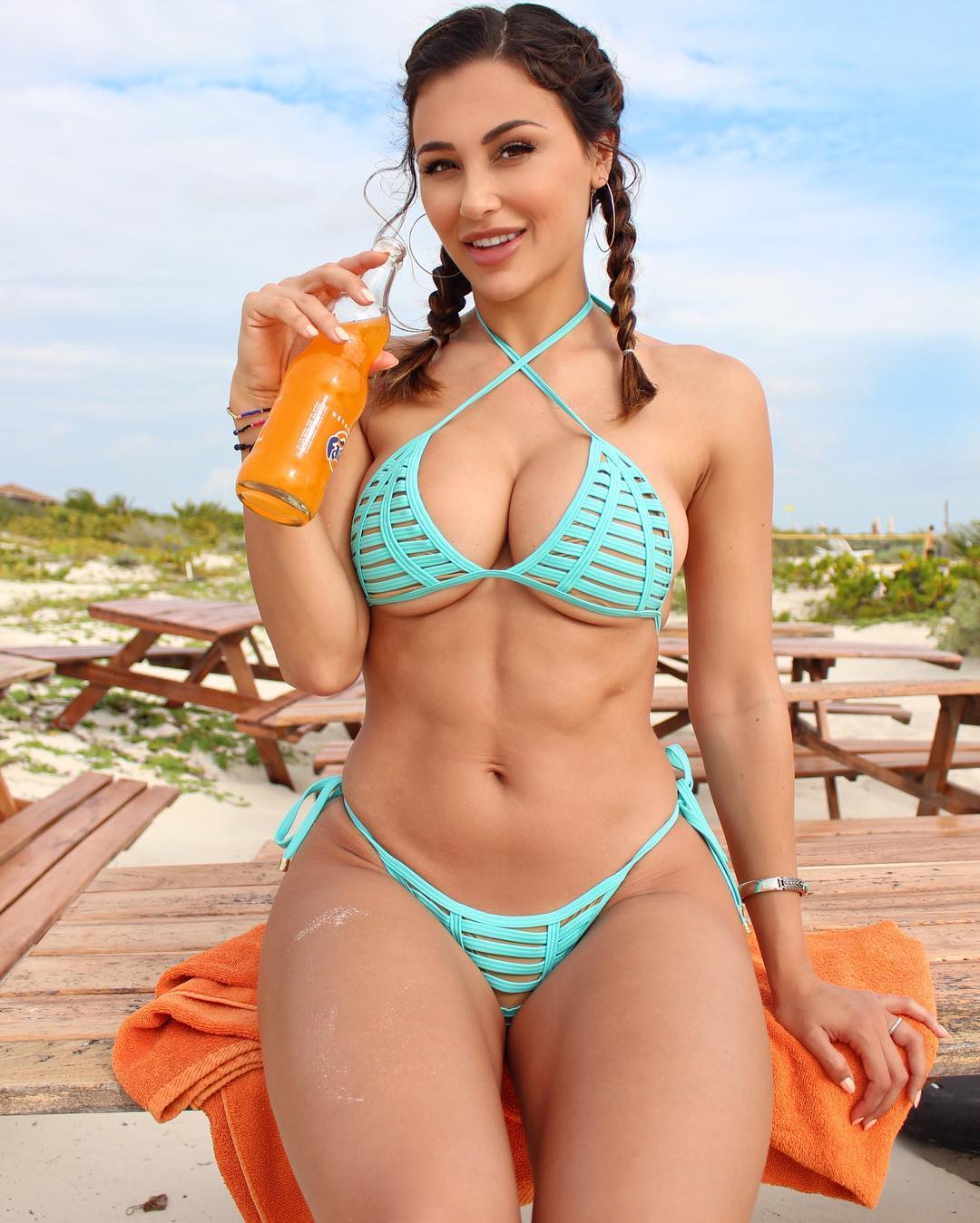 Ana Cheri Hot Bikini Outdoors - Ana Cheri Hot Bikini Outdoors