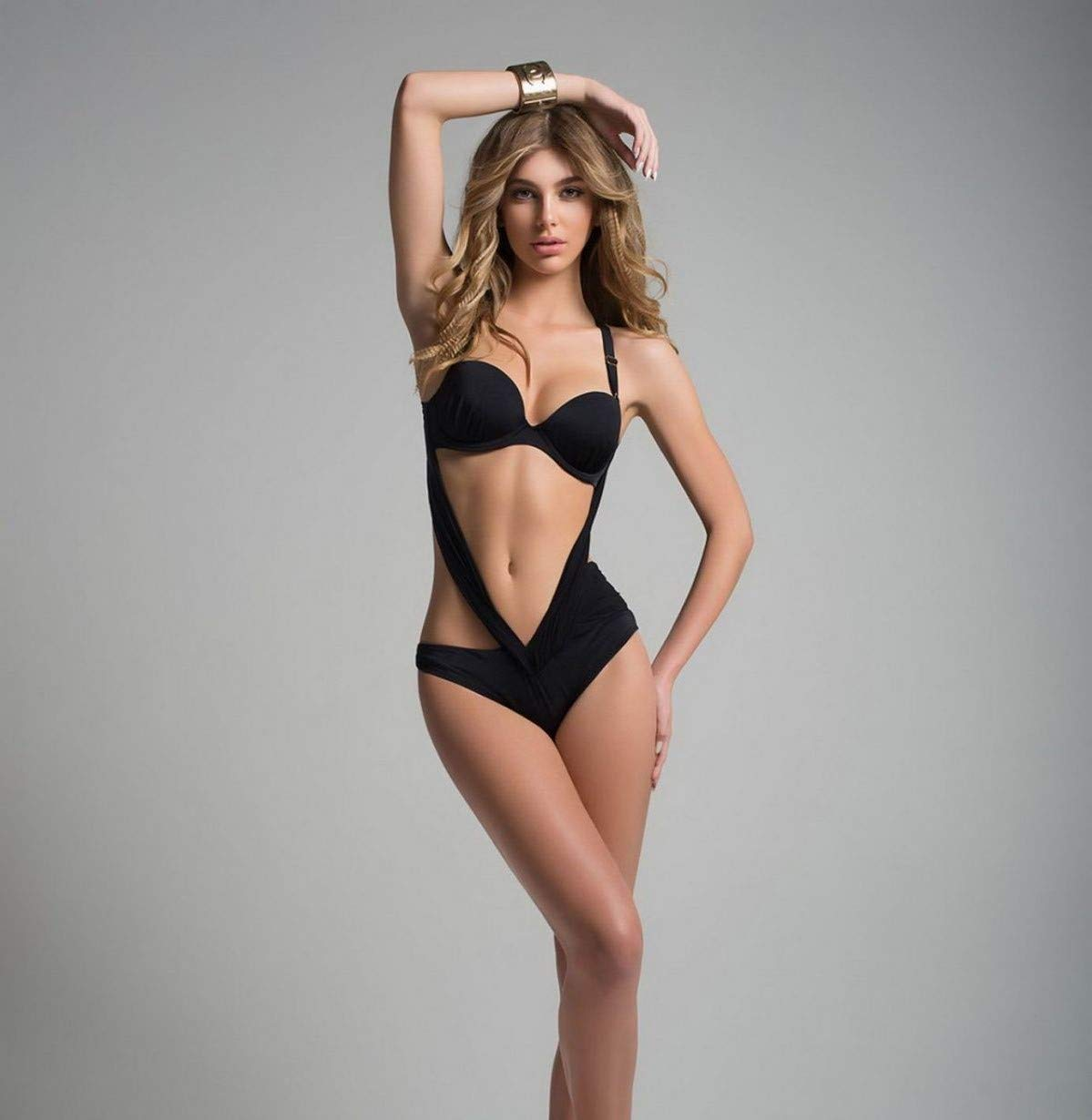 Camila Morrone Hot Black Swimsuit - Camila Morrone Hot Black Swimsuit