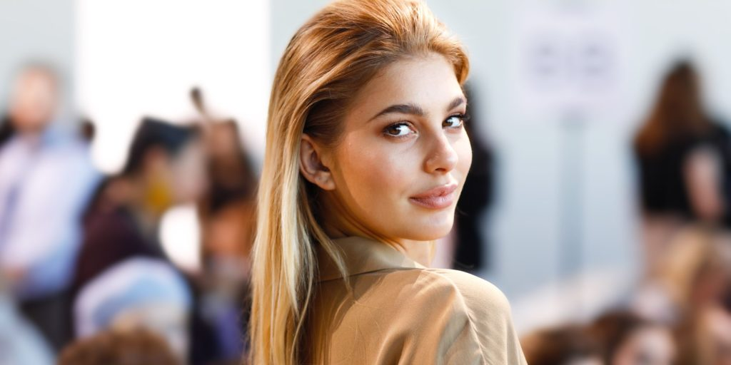Camila Morrone Hot Blonde Hair Design Wallpapers 1024x512 - Camila Morrone Net Worth, Pics, Wallpapers, Career and Biography