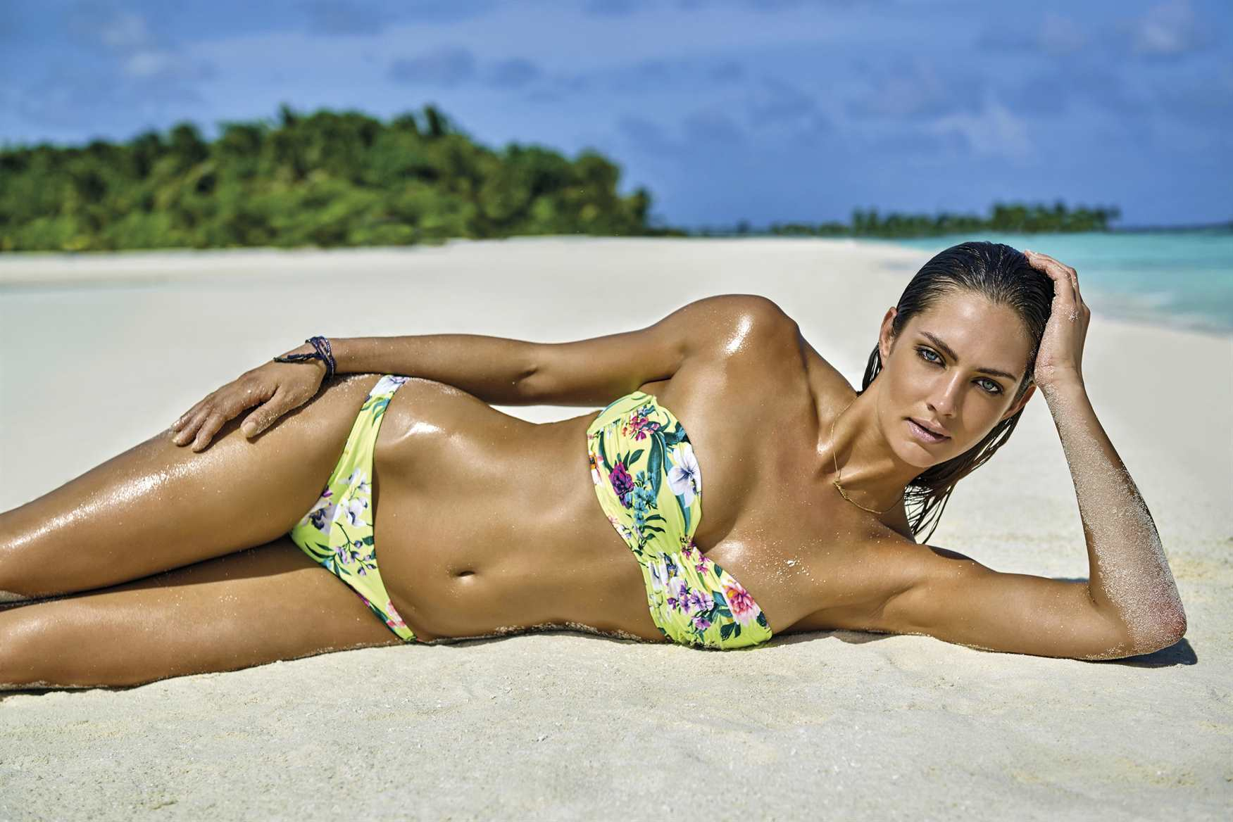 Candice Boucher Hot Bikini Wallpapers - Candice Boucher Hot Bikini Wallpapers