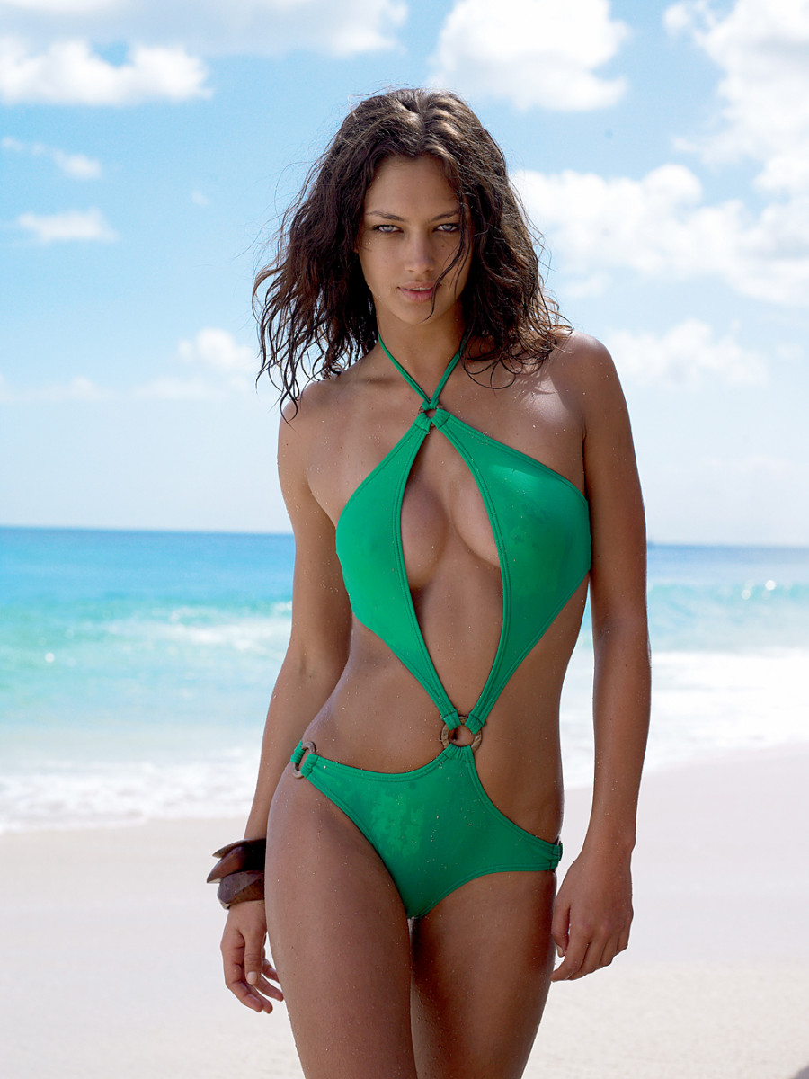 Candice Boucher Hot Green Swimsuit Pics - Candice Boucher Hot Green Swimsuit Pics