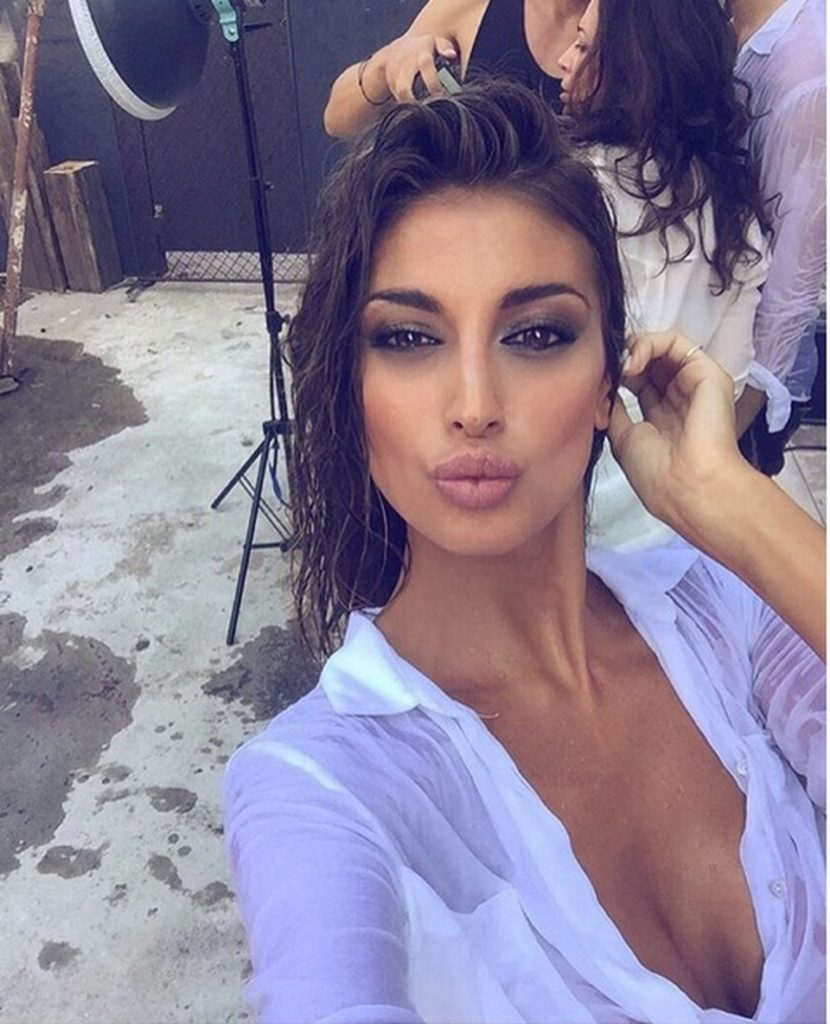 Christina Buccino Hot Selfie 830x1024 - Christina Buccino Net Worth, Pics, Wallpapers, Career and Biography