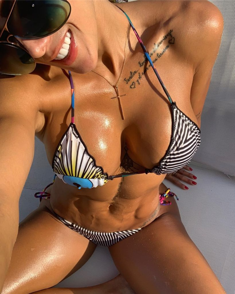Hot Bikini Modeling Sonia Isaza 820x1024 - Sonia Isaza Net Worth, Pics, Wallpapers, Career and Biograph