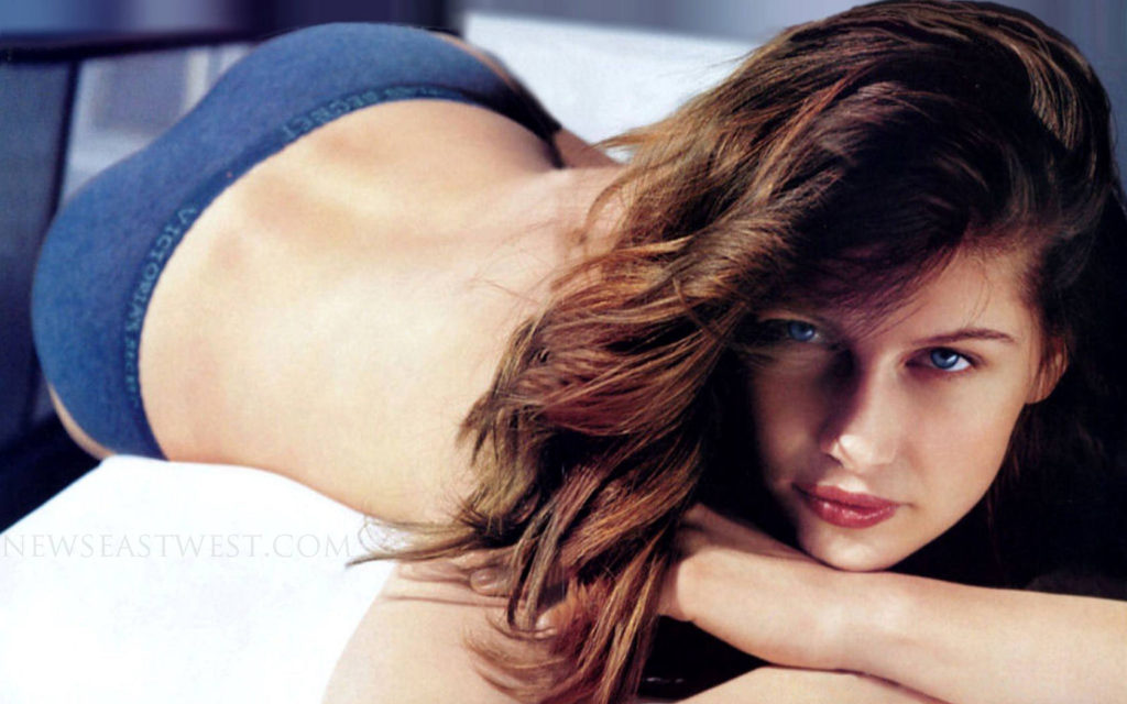 Laetitia Casta Only Panty Wallpapers 1024x640 - Laetitia Casta Only Panty Wallpapers
