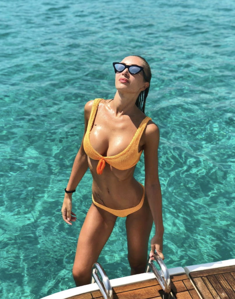 Laura Cremaschi Hot Yellow Bikini - Laura Cremaschi Net Worth, Pics, Wallpapers, Career and Biography