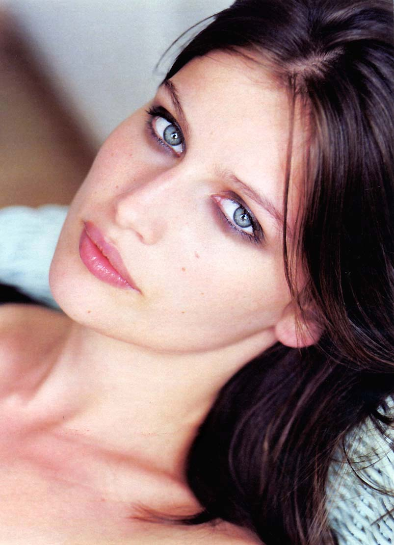 Pretty Face Laetitia Casta - Laetitia Casta Net Worth, Pics, Wallpapers, Career and Biography