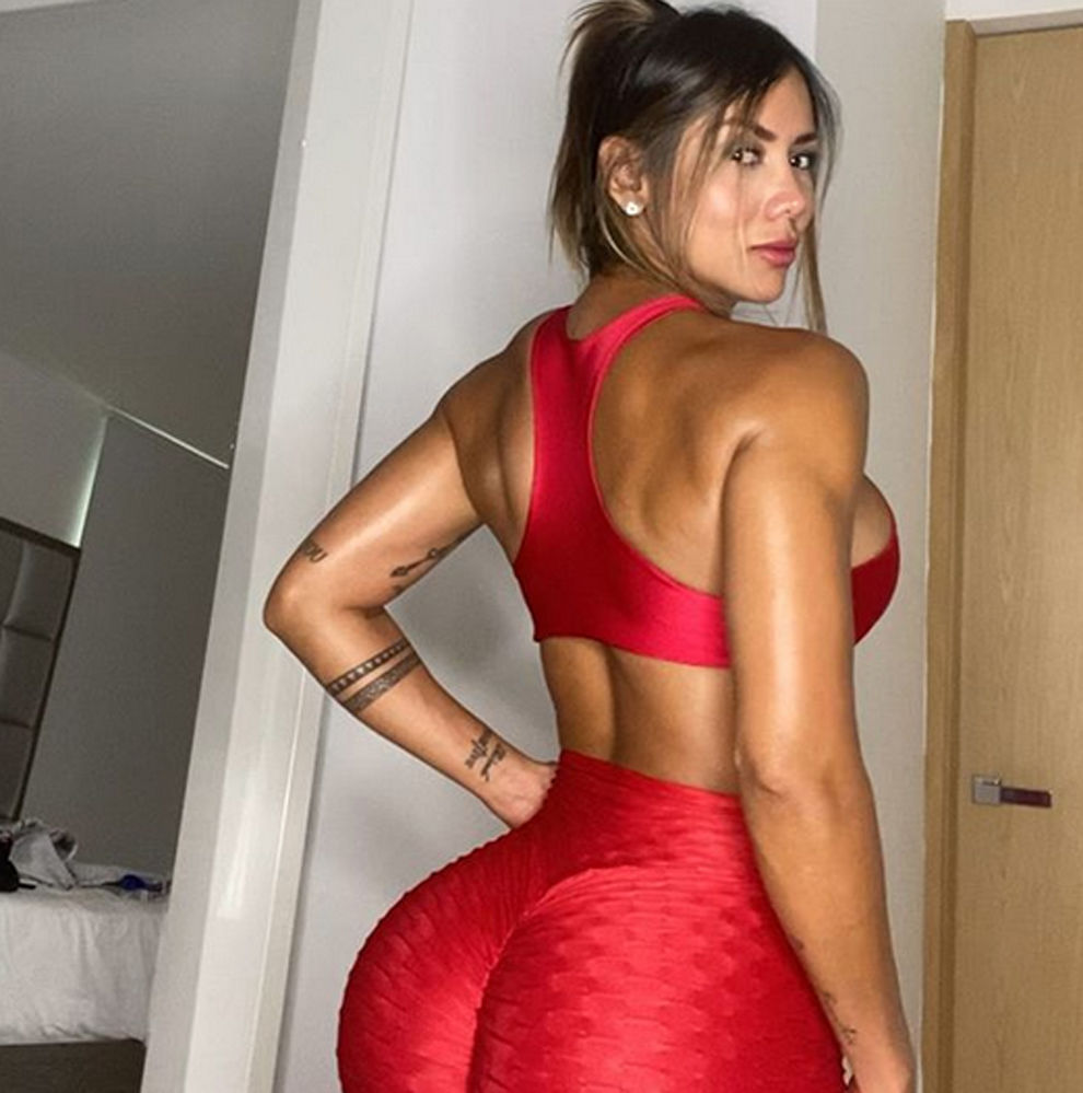 Sonia Isaza Hot Red Sports Suit Pics - Sonia Isaza Hot Red Sports Suit Pics