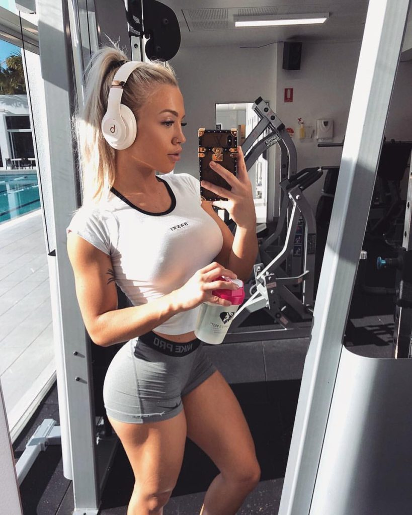 Tammy Hembrow Hot Gym Selfie 819x1024 - Tammy Hembrow Net Worth, Pics, Wallpapers, Career and Biograph