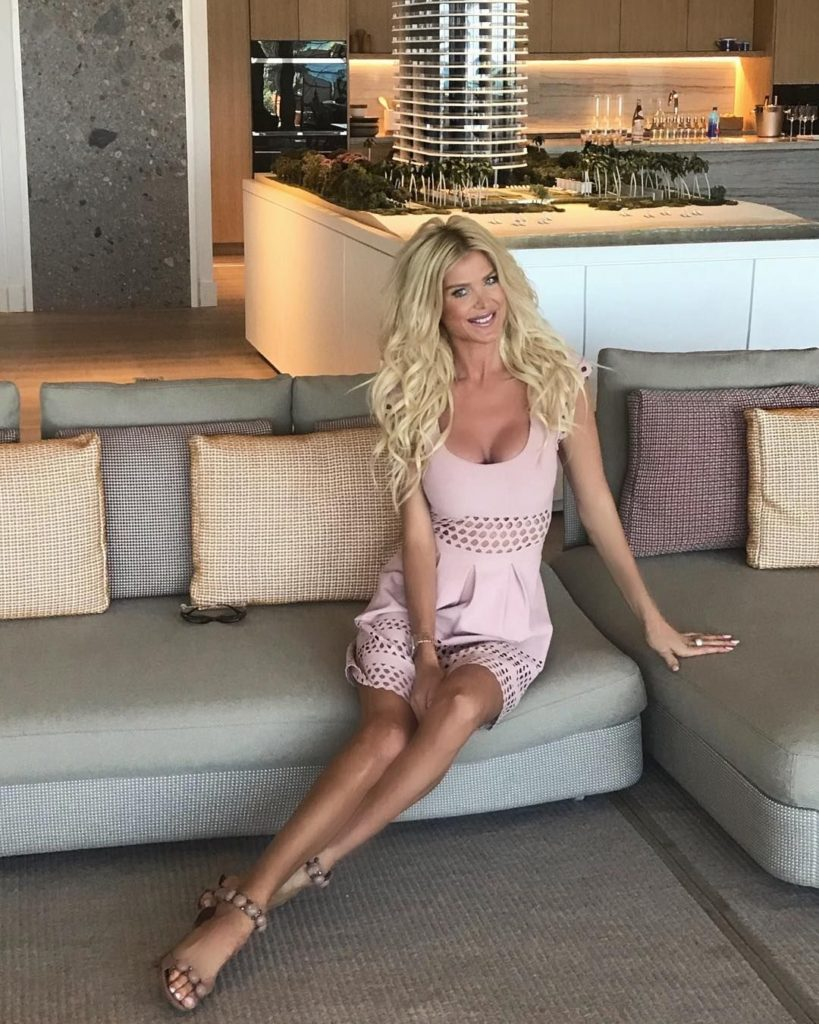 Victoria Silvstedt Couch Pose 819x1024 - Victoria Silvstedt Couch Pose
