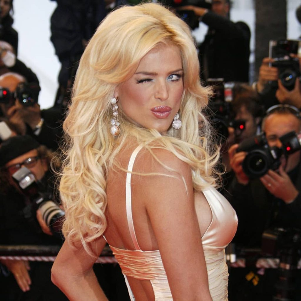 Victoria Silvstedt Hot Gala Photo 1024x1024 - Victoria Silvstedt Net Worth, Pics, Wallpapers, Career and Biograph