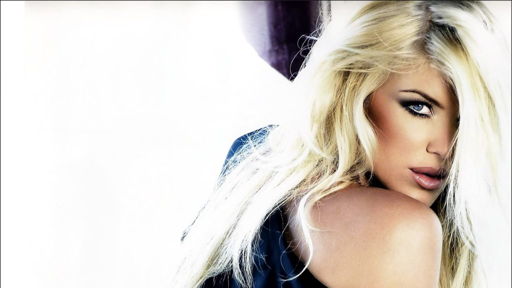 Victoria Silvstedt Hot Hd Wallpapers 1024x576 - Victoria Silvstedt Net Worth, Pics, Wallpapers, Career and Biograph