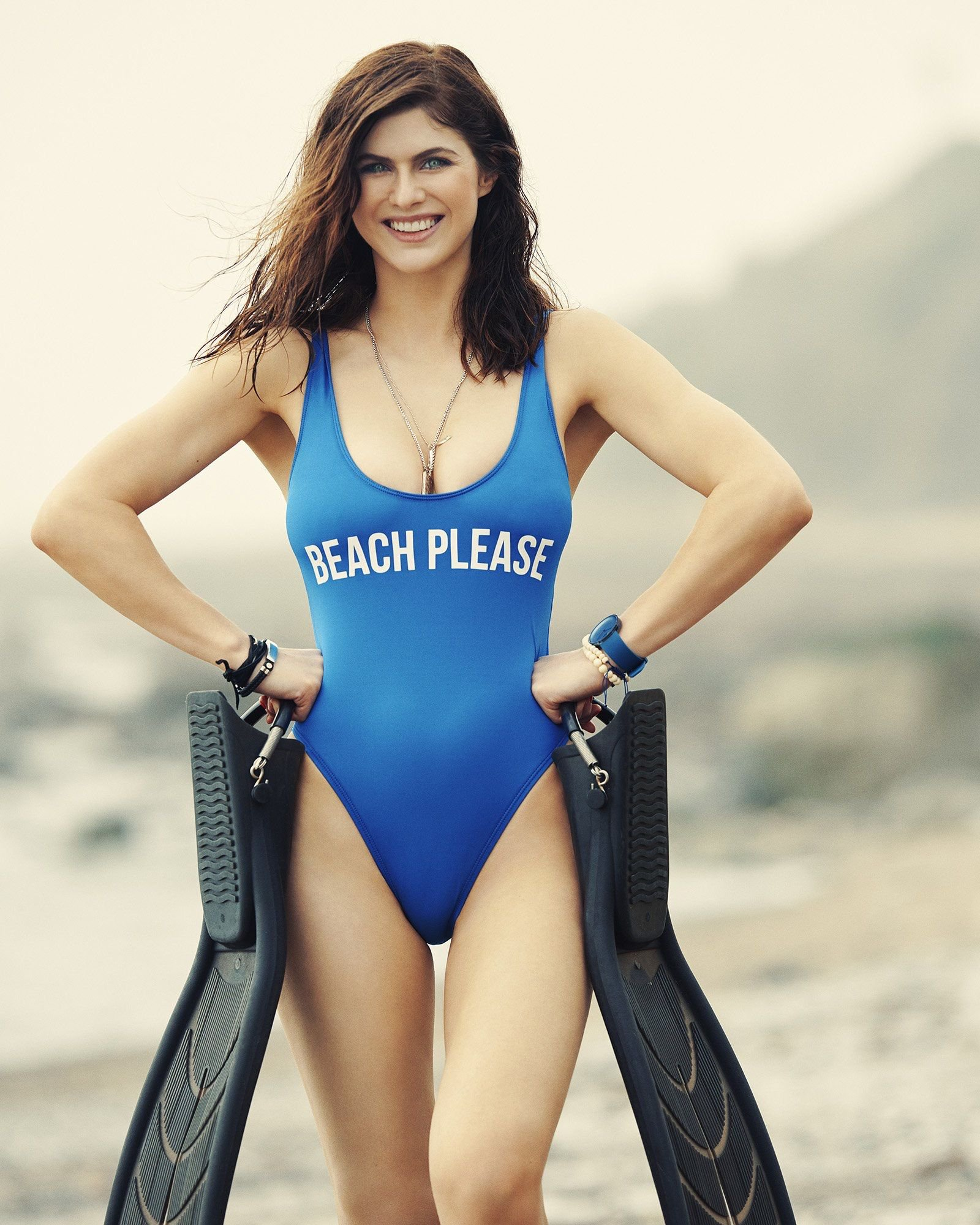 Alexandra Daddario Hot Blue Swimsuit Pics - Alexandra Daddario Net Worth, Pics, Wallpapers, Career and Biography