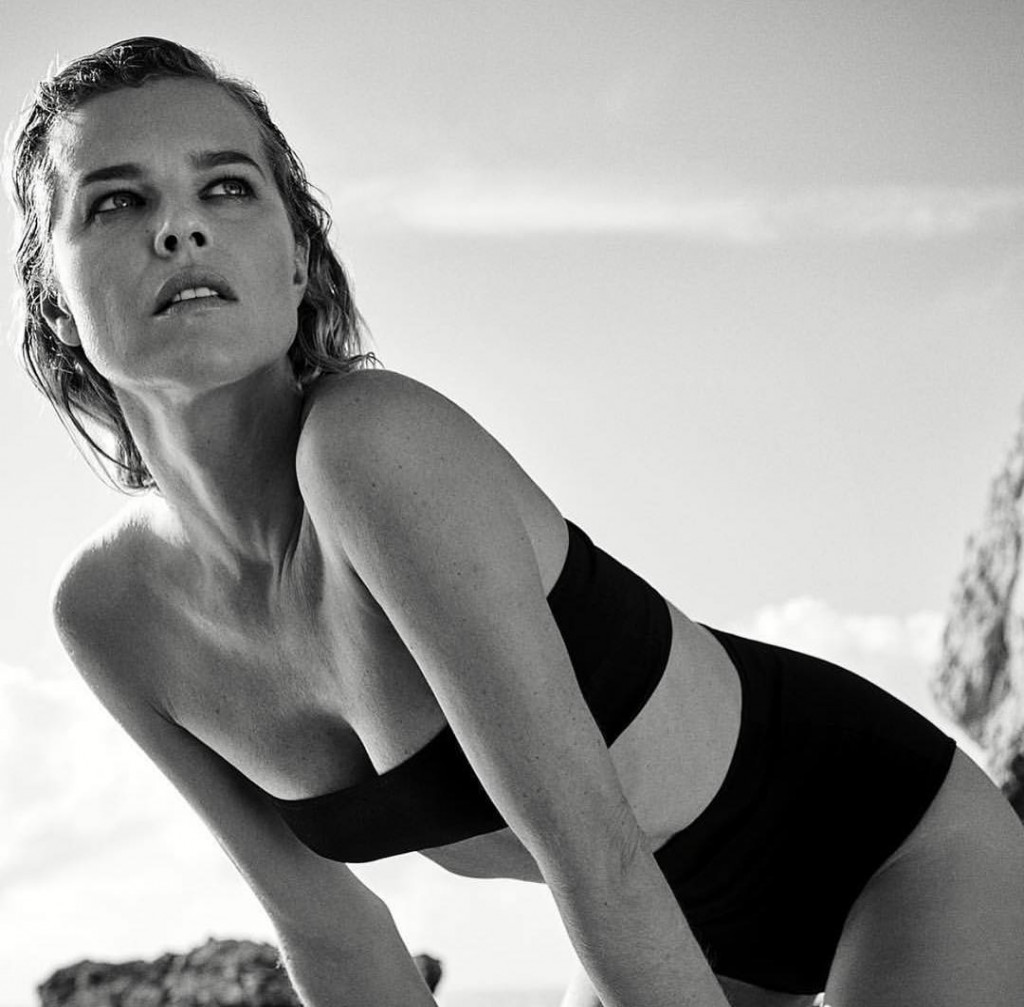 Eva Herzigova Hot Black Bikini Pics - Eva Herzigova Net Worth, Pics, Wallpapers, Career and Biography