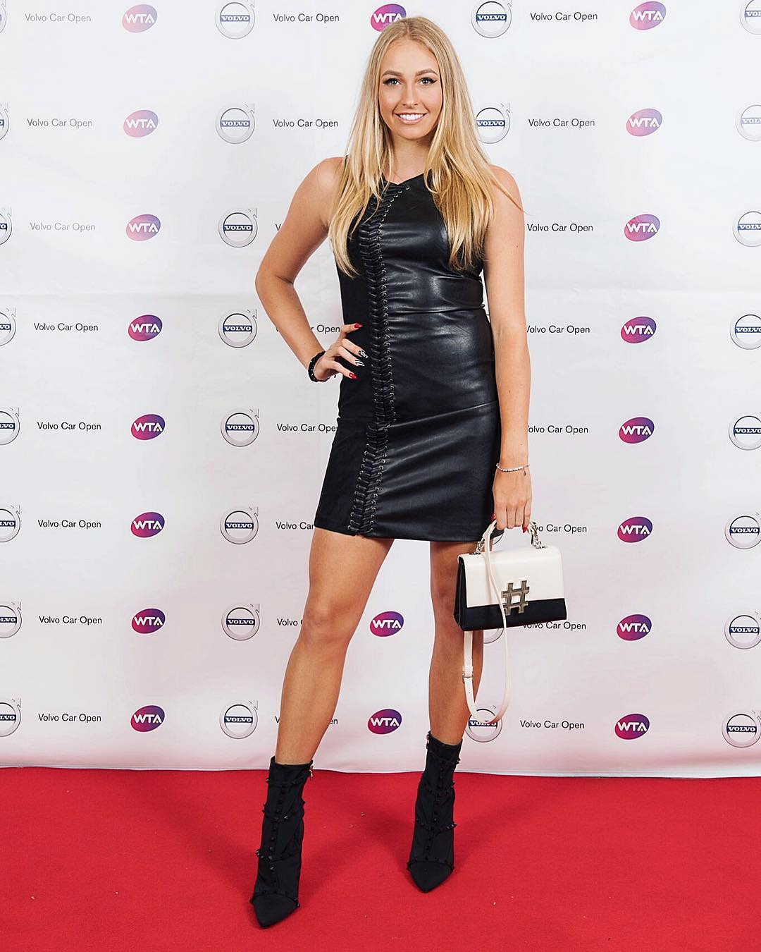 Fanny Stollar Hot Black Dress On red Carpet - Fanny Stollar Hot Black Dress On red Carpet