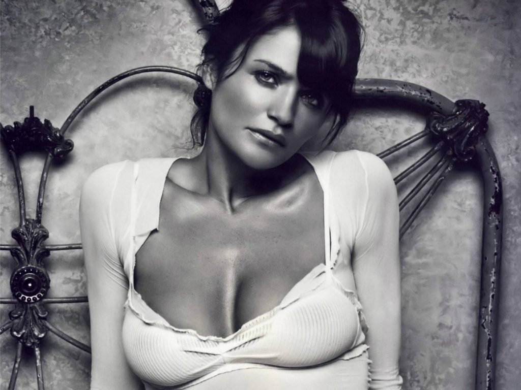 Helena Christensen BlackWhite Wallpapers 1024x768 - Helena Christensen Net Worth, Pics, Wallpapers, Career and Biography