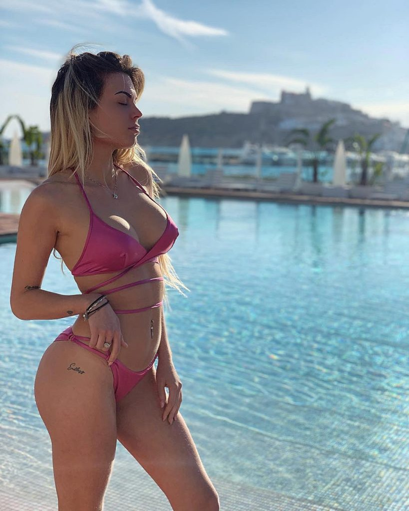 Ludovica Pagani Hot Pink Bikini Photos 819x1024 - Ludovica Pagani Hot Pink Bikini Photos