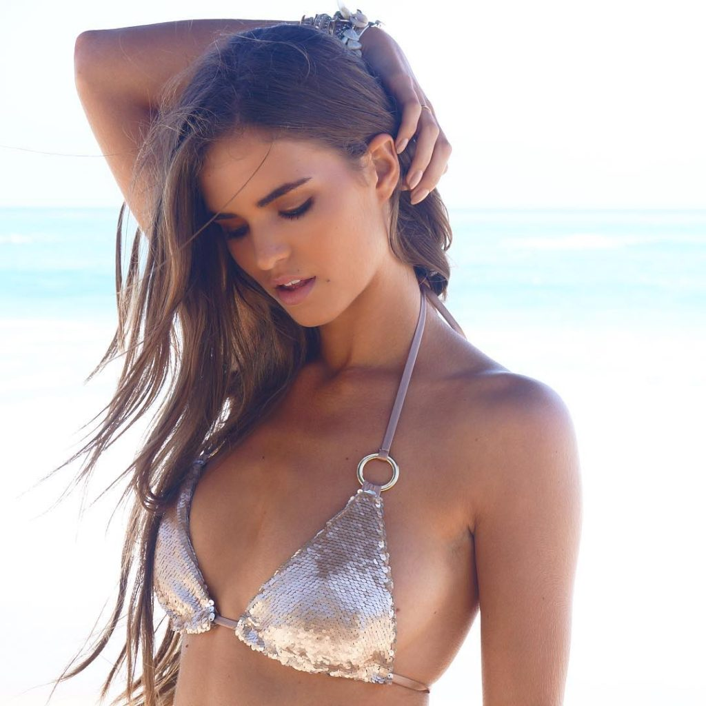 Robin Holzken Hot Bikini Images 1024x1024 - Robin Holzken Net Worth, Pics, Wallpapers, Career and Biograph