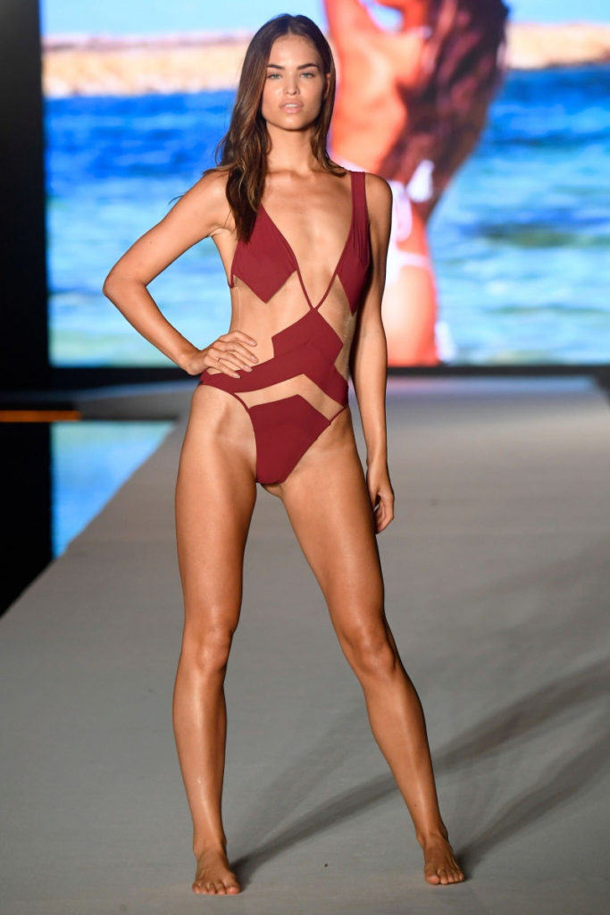 Robin Holzken Hot Swimwear Runaway Pics 683x1024 - Robin Holzken Net Worth, Pics, Wallpapers, Career and Biograph