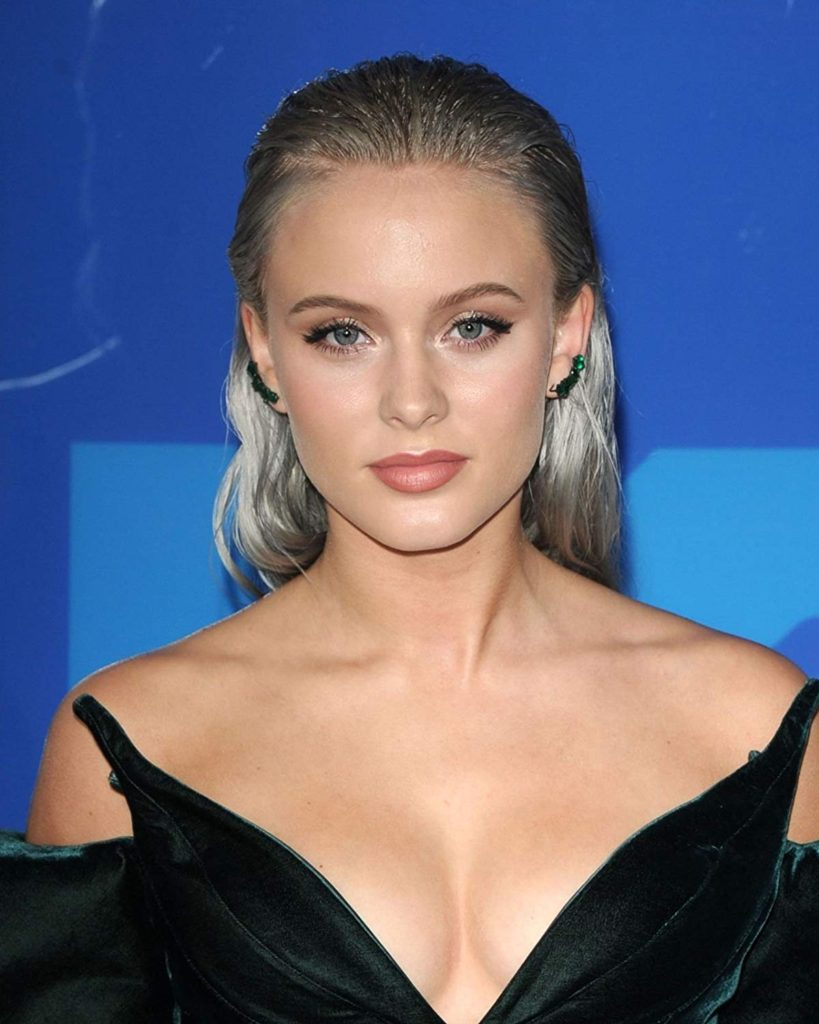 Zara Larsson Hot Decollete Pics 819x1024 - Zara Larsson Net Worth, Pics, Wallpapers, Career and Biography