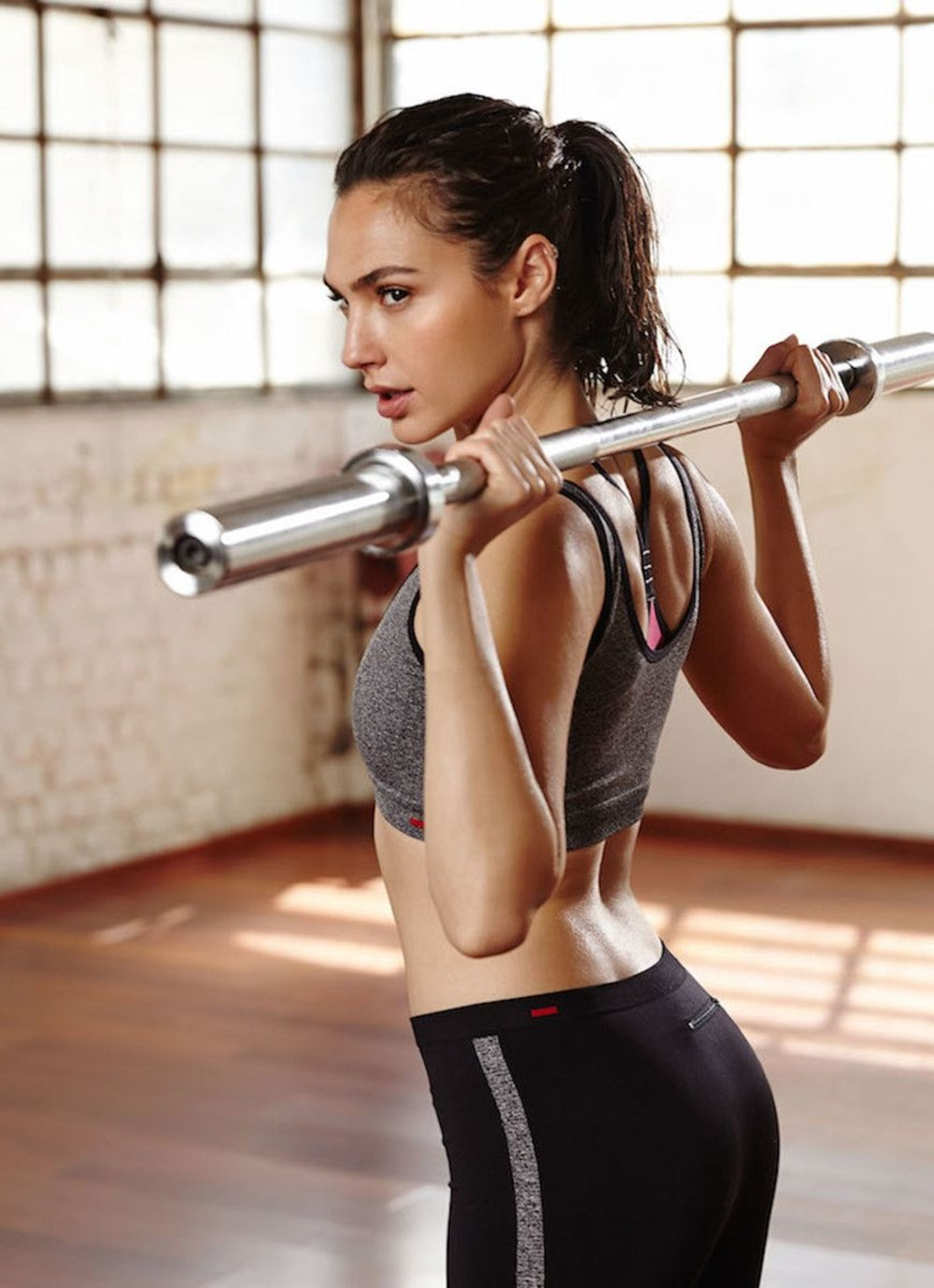 Gal Gadot Fitness Workout Pics - Gal Gadot Net Worth, Pics, Wallpapers, Career and Biography