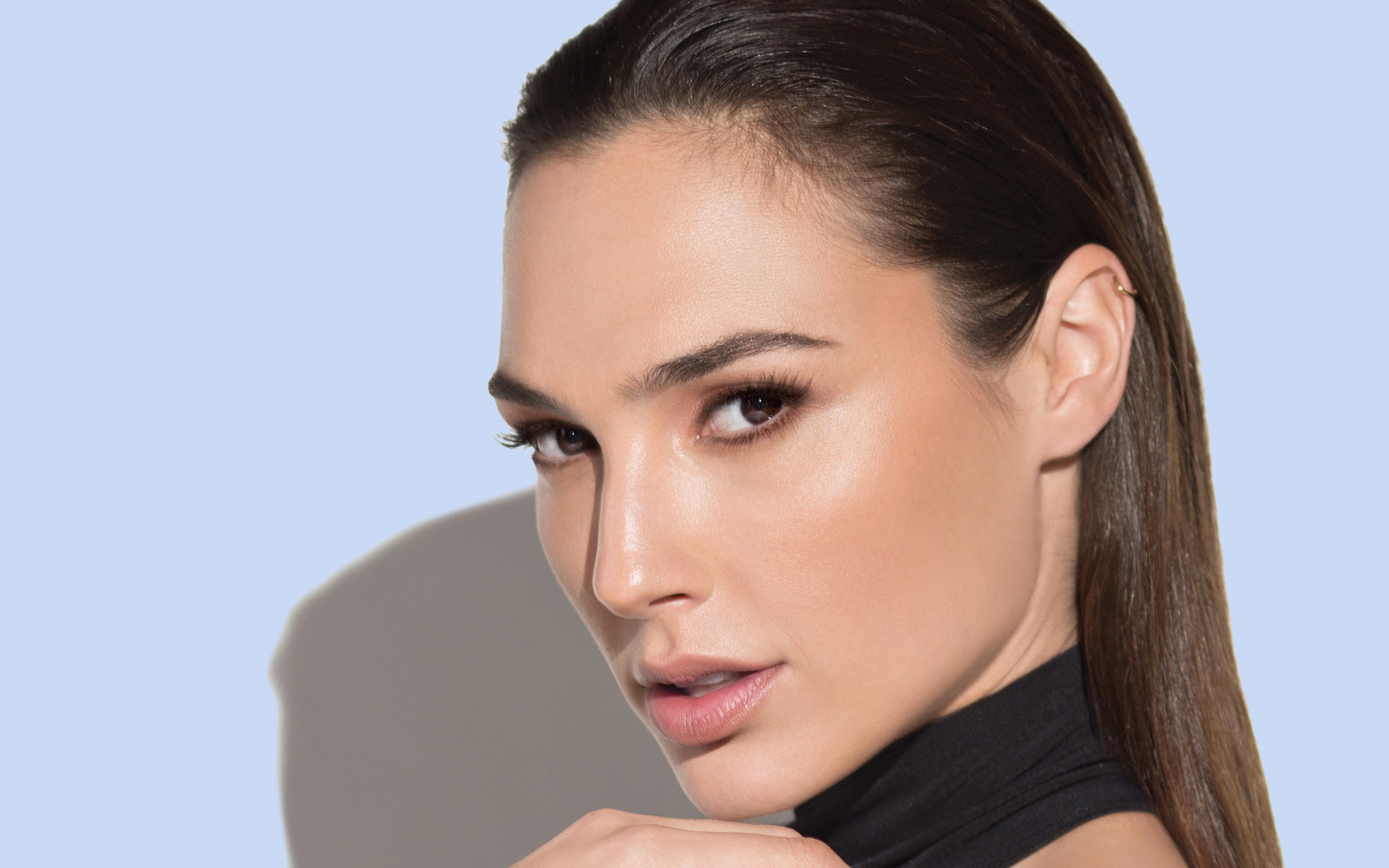 Gal Gadot Hair Design - Gal Gadot Net Worth, Pics, Wallpapers, Career and Biography