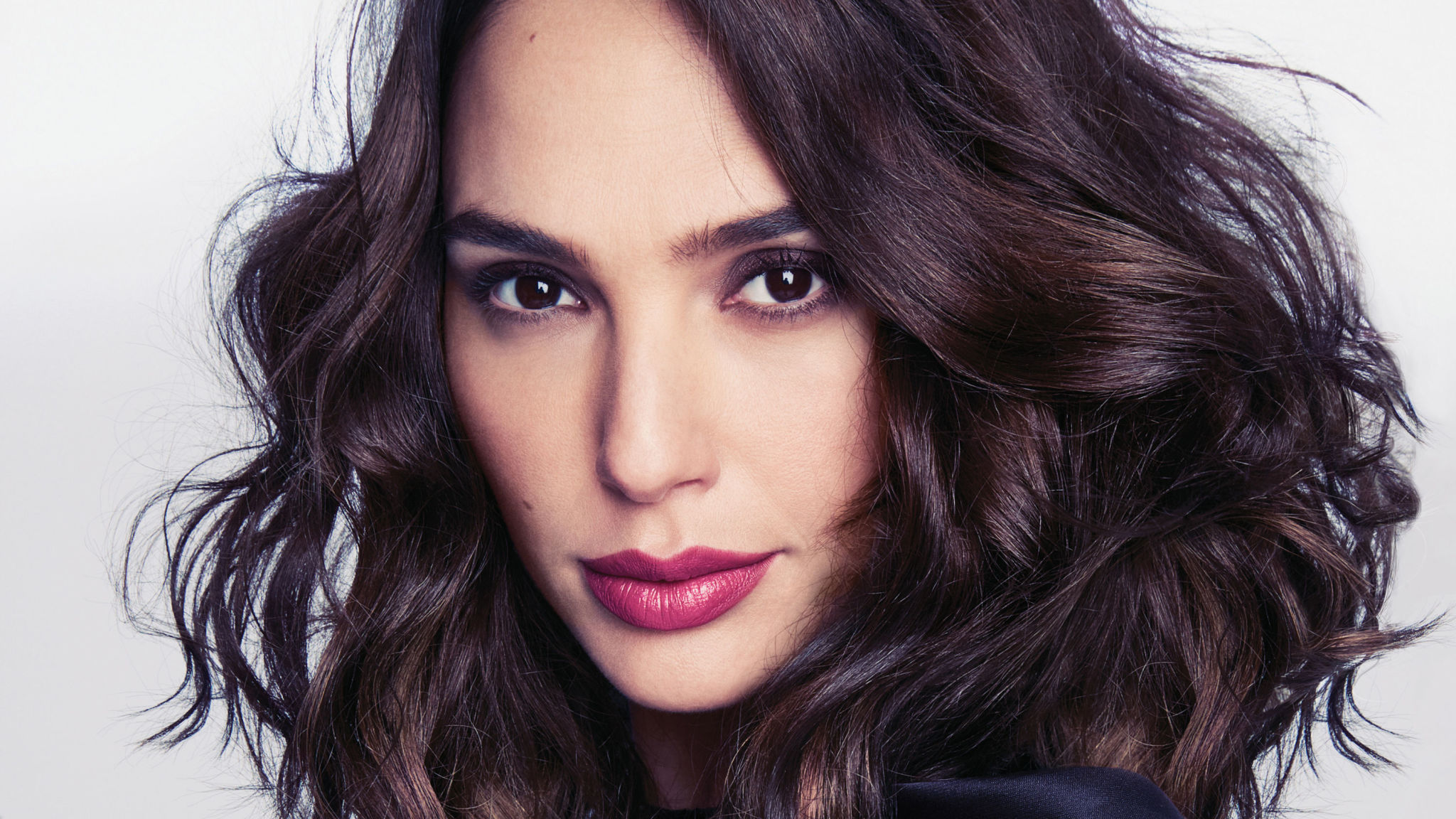 Gal Gadot Hair - Gal Gadot Net Worth, Pics, Wallpapers, Career and Biography