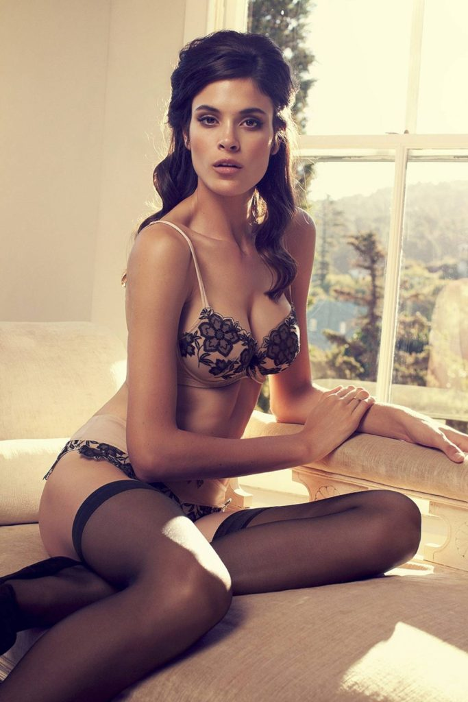 Jenna Pietersen Hot Lingerie Couch Pose 683x1024 - Jenna Pietersen Net Worth, Pics, Wallpapers, Career and Biography